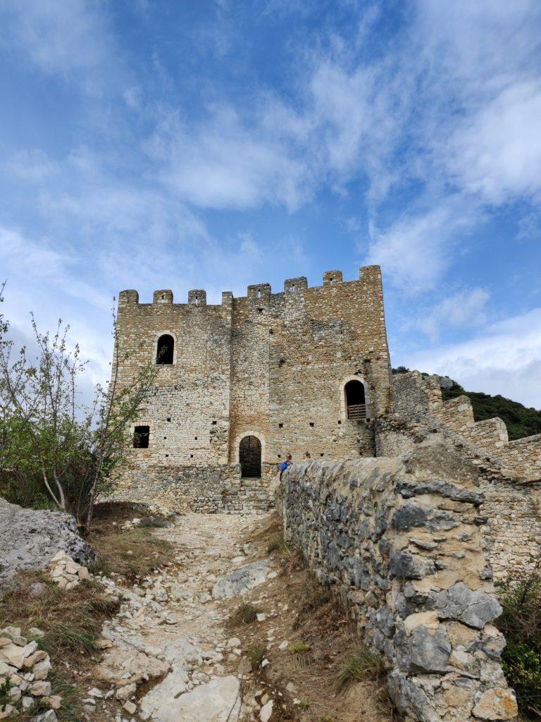 chateau saint montan